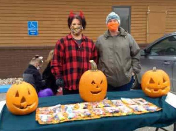 """Celebrating """"Trunk or Treating"""" in Middle River"""